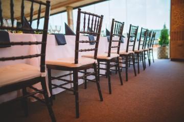 Столове и калъфи за столове